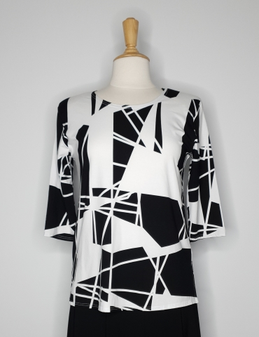 Round Neck 3 quarter sleeve Top-Black and white