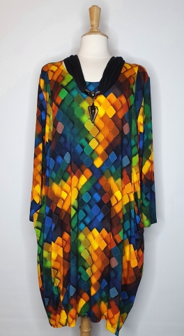 Block Pattern Dress with Low Pockets