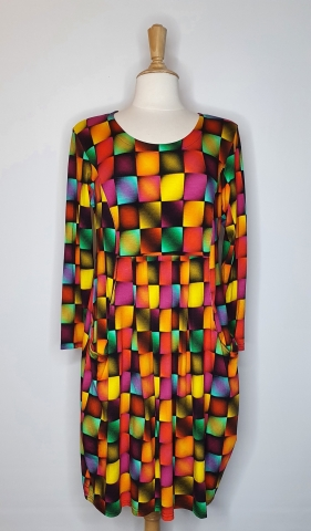 Square Pattern Dress with Low Pockets